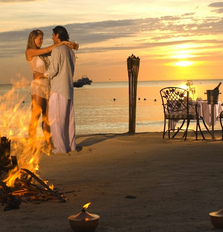 Romantic evening in Negril's Beach, gorgeous sunset!!