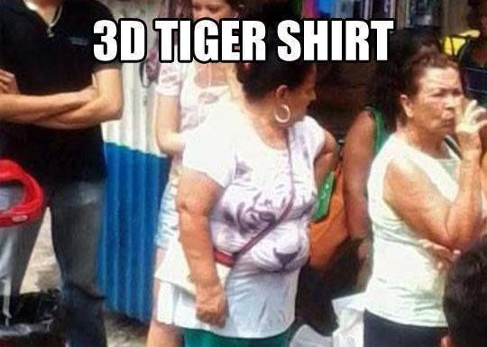 I'm sorry for being cheeky but why wear tight clothes , it really does look 3D so it is very funny