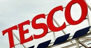 "BreakingNews.ie   Tesco has won a fight with UK tax officials relating to its Clubcard loyalty scheme. Bosses said they should able to recover VAT after scheme members use ""reward tokens"" to buy goods from other shops. They challenged decisions made by HM Revenue and Customs... - #Clubca, #Court, #Fight, #Rules, #Tax, #Tesco, #TopStories, #Triumphs"