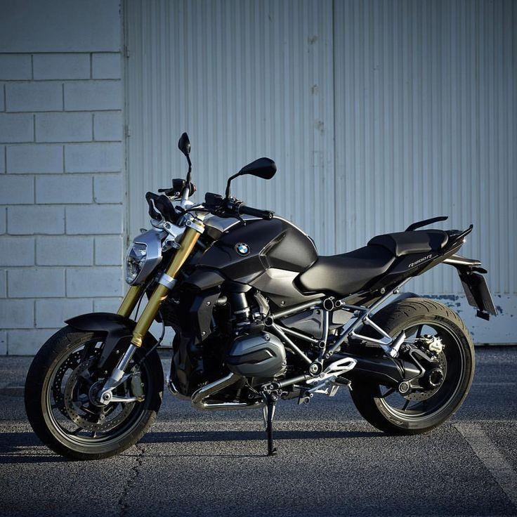 "591 mentions J'aime, 2 commentaires - BMWMotorradPortugal (@bmwmotorradpt) sur Instagram : ""#Makelifearide #BMW #R1200R #Motorrad #BMWMotorrad"""