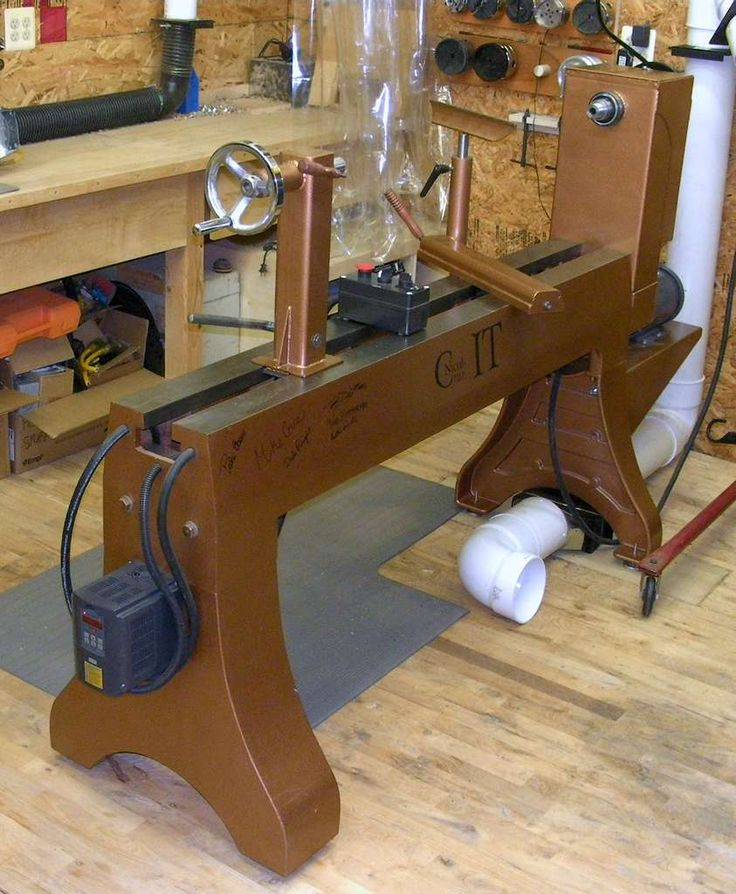 """""""IT"""" - Jeff Nichols bowl lathe with the addition of a PM4224 bed extension."""