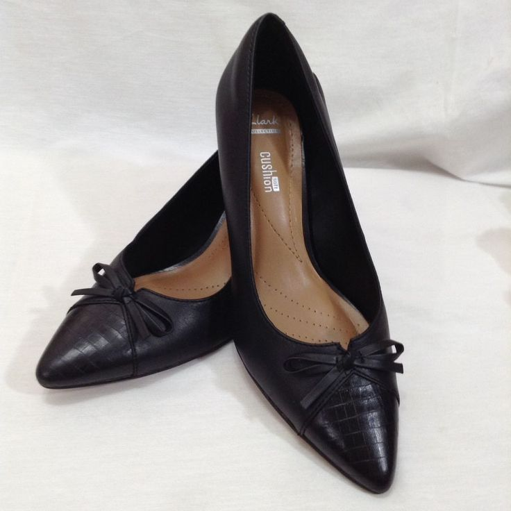 Clarks Collection 6.5 M B Soft Cushion Black Bow Pump Heels Pointed Toe  Shoes