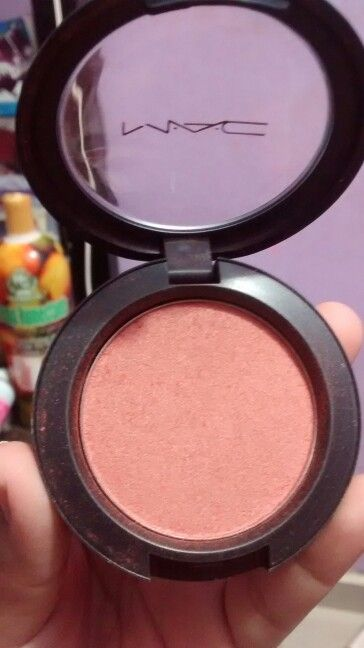 MAC A84 sunbasque sheertone shimmer blush