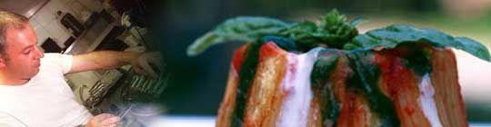 ETXEBARRI: Víctor Arguinzoniz es un cocinero vanguardista. Y no por crear espumas, ni por manejar el nitrógeno. Lo suyo es la parrilla, un instrumento tradicional para asar que él ha revolucionado. En primer lugar, ha sustituido el clásico carbón vegetal por brasas de diferentes maderas: encina para los pescados y mariscos y tocones de viñas viejas o de olivo para las carnes. Una madera aromática diferente para cada producto. San Juan, 1. Axpe. Achondo (Vizcaya) Salida 7 de la A-8. 946 58 30…