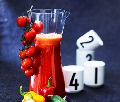 Gaspacho som juice är en riktig succé! Den här är lite fräschare och lättare än soppan, och passar perfekt till frukosten eller brunchen.