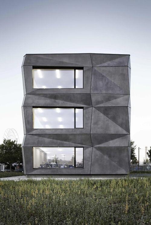 Tillich Architektur - Textile factory, München 2014. Photos (C) Michael Compensis.