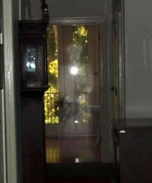 terrifying ghost sightings 19 Terrifying apparitions invading our photos (25 Photos)