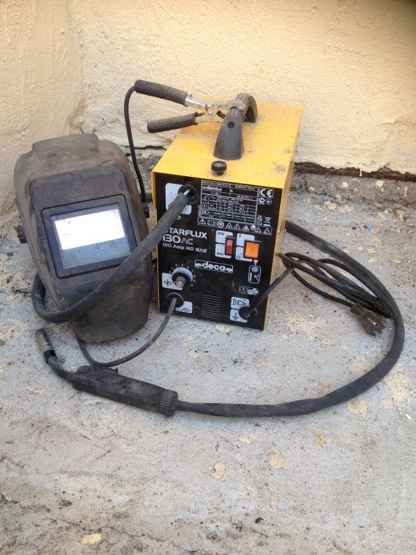 loue poste a souder semi automatique sans gaz et mon masque en bonne état idéal pour petit  travaux de soudure il est équipé d'une bobine de fil pour souder le fer