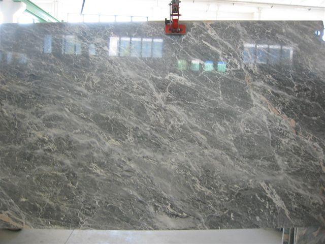 Disponibili nel nostro deposito #lastre di #salome tipo grigio #marmo #arredamento #design