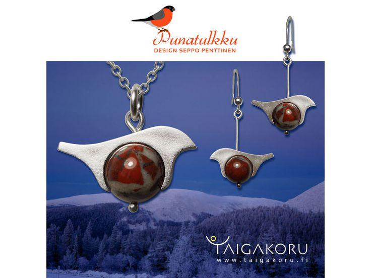 Taigakoru Bullfinch pendant, silver  Über den Dompfaff gibt es viele Geschichten die mit Sicherheit auf seine schöne rote Farbe zurückzuführen sind. Mit seiner prächtigen Farbe erinnerte er im Mittelalter viele an die Kleidung katholischer Priester.