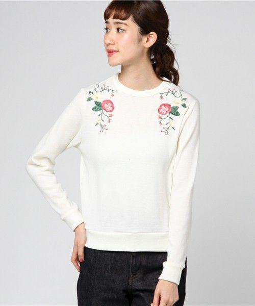 【ZOZOTOWN】Green Parks(グリーンパークス)のTシャツ/カットソー「RAY CASSIN FAVORI ・RAY 花刺繍プルオーバー」(65171C40090)を購入できます。