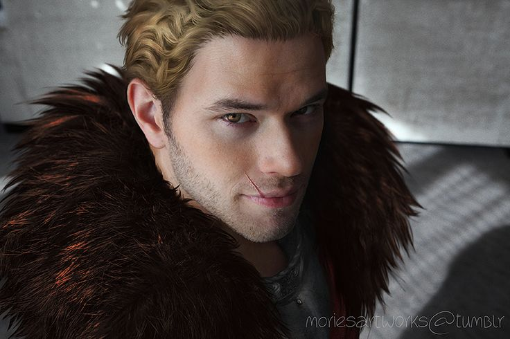 Cullen (OMG EXCUSE MY FANGIRLING BUT HOLY MAKER FORGIVE ME FOR I HAVE SINNED)