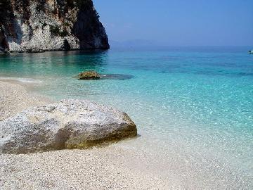 Sardinien - ein wundervoller Strand und nur mit dem Boo zu erreichen :-)