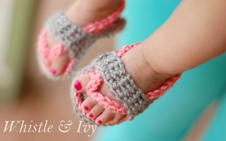 Crochet Baby Flip Flop Sandals - Free crochet pattern for these cute little baby shoes! {Whistle and Ivy}