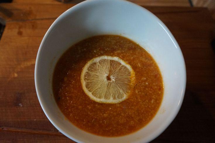 Herbst-Zeit ist Suppen-Zeit!Entdeckt mein Rezept für die original türkische Linsensuppe-Ezo Gelin Corbasi auf meinem Foodblog aus Köln.Mit Fotos&Anleitung