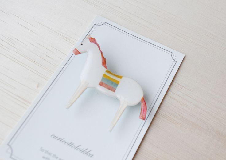 『子馬のメリーゴーランド』 #curicottoloikkabrooch #curicottoloikkaanimal #curicottoloikka009 #curicottoloikka #クリコットロイカ#馬#メリーゴーランド#horse#carousel