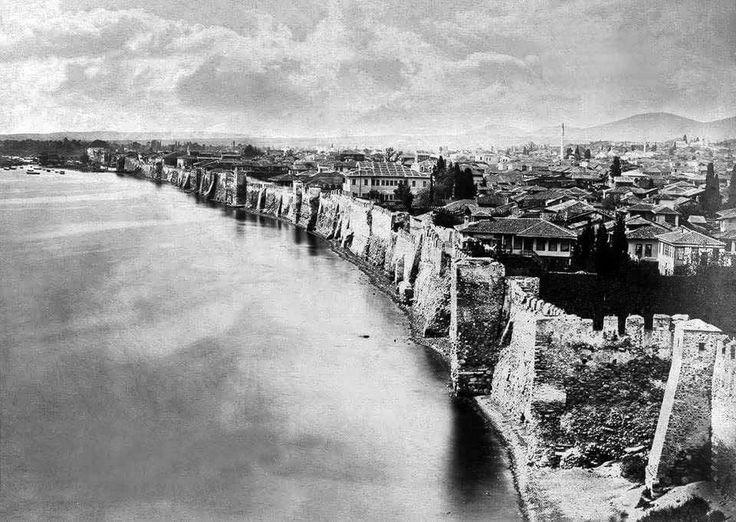 Η Θεσσαλονίκη με τείχη, περίπου 1867