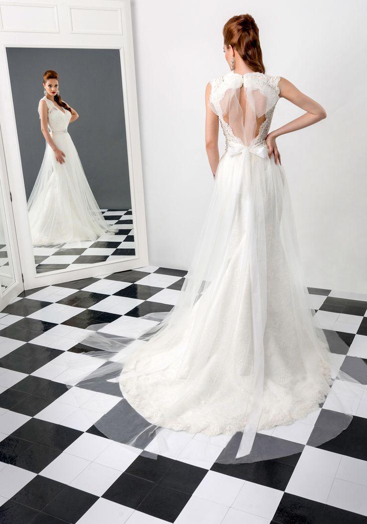 Emerald wedding dress, Bien Savvy 2015 collection Ask for more details at client@biensavvy.eu