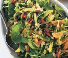 Ett nyttigt och smakrikt recept på Josefines supersallad. Du gör salladen av bland annat paprika, avokado, rucola, spenat, groddar och gojibär. Vegetarisk och fräsch sallad!