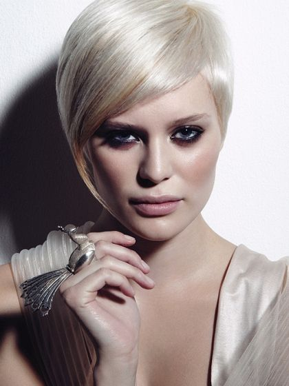 hair styles fine hair 1000 ideas about asymmetrical bob haircuts on 8225 | 87bf6e3c30b8e0eb8225ea707614d65d