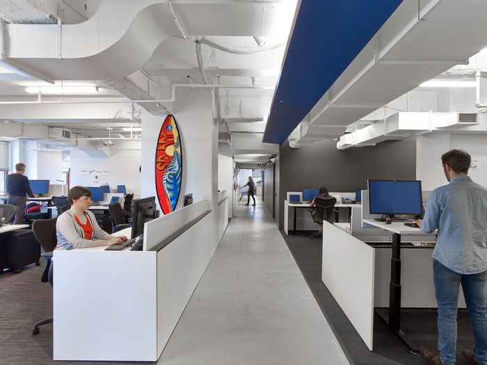 IA Designs LinkedIn Offices In The Empire State Building