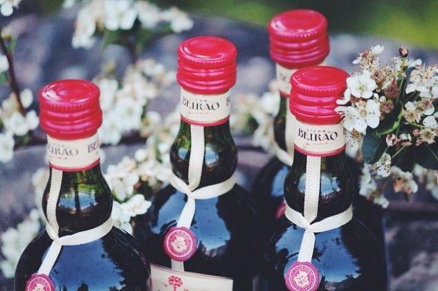 O doce aroma do Licor Beirão engarrafado em miniaturas de 5cl.