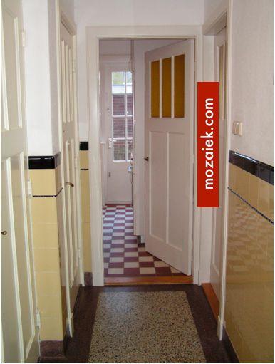 granito vloer, dubbelhardgebakken tegels, tegelsambrisering jaren 30. Mozaiek heeft het!
