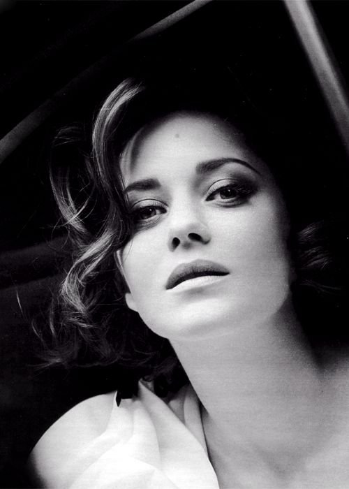 marion cotillard -- did you see her play Edith Piaf?  It was beyond all other performances of any actor ever!