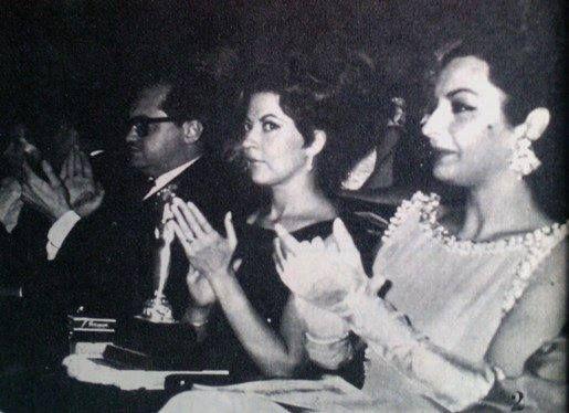 La diva poblana Maricruz Olivier y La diva Chihuahuense Elsa Aguirre en entrega de diosas de plata.-1950s