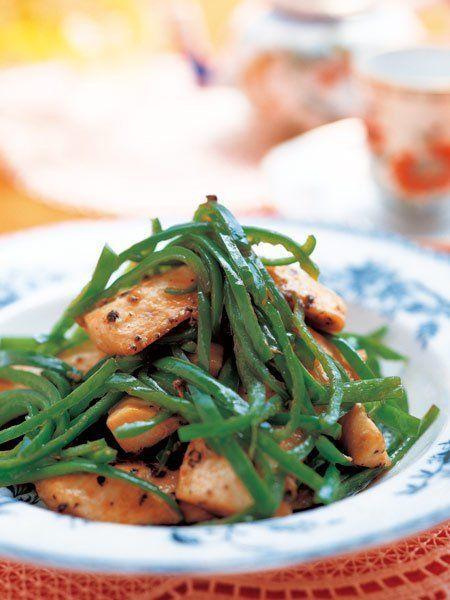 【ELLE a table】ピーマンと魚のオイスターソース炒めレシピ|エル・オンライン
