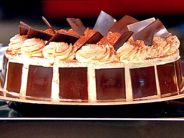 A Swedish cake called Schwarzwaldtårta is related to the traditional Black Forest gâteau only by name. It consists of layers of meringue with whipped cream in between. The whole cake is also covered with whipped cream and decorated with chocolate.