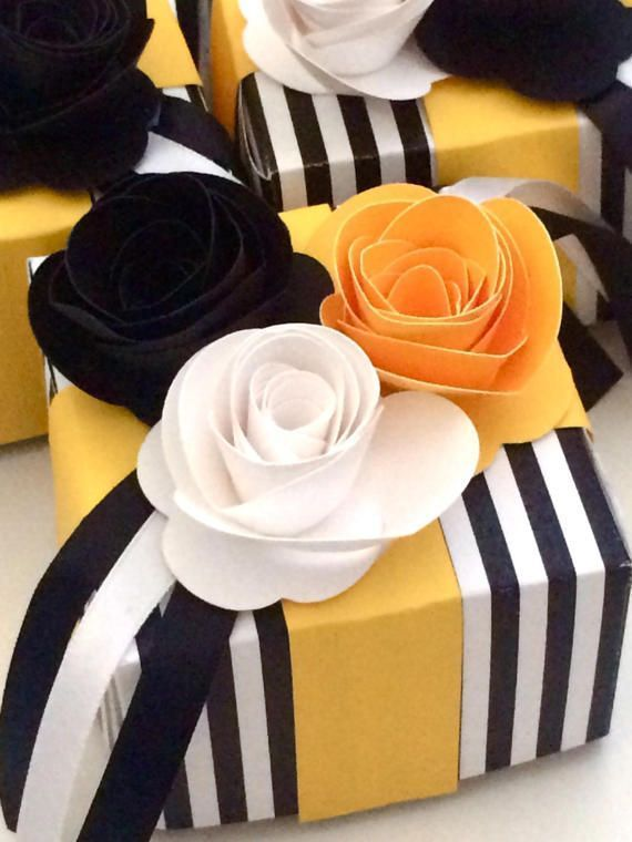 Elegant Party Favor Boxes Black White And Yellow Gift Packaging Ideas Floral Party Dec Gift Wrapping Inspiration Decorated Gift Bags Floral Party Decorations