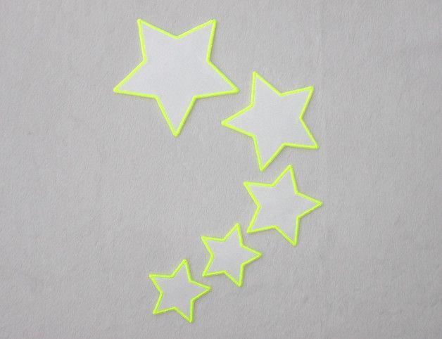 **5 Sterne,NEONgelb, Applikation zum Aufbügeln**  Ideal zum verzieren und flicken von Kleidung, Taschen, Gardinen, Bettwäsche und anderen Stoffen. Die Applikation ist mit Bügelfolie...