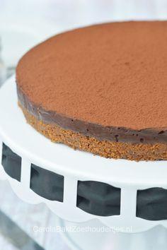 Chocolate fudgecake, a no bake recipe Chocolade fudgetaart , een taart die je kunt maken zonder oven, in een klein kwartiertje klaar.