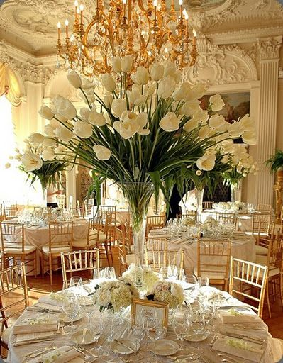 Gorgeous reception - gold, green & white.