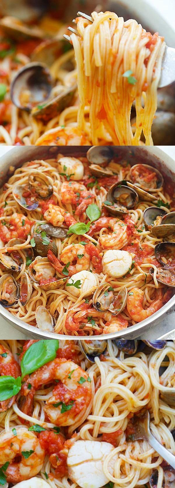 One Pot Seafood Pasta – easy seafood pasta cooked in one pot. Quick and delicious dinner that you can whip up in less than 30 mins | rasamalaysia.com #seafoodrecipes