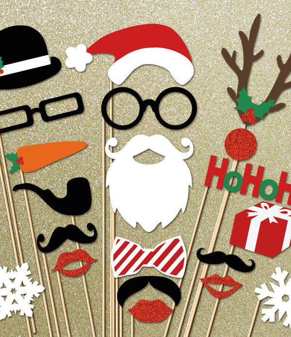 Adorable holiday photo booth props for the best Christmas party ever