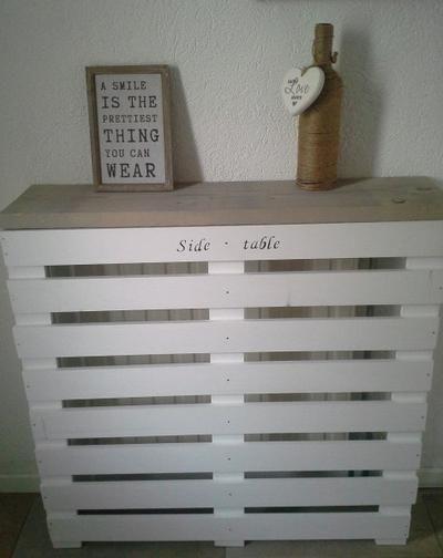 Bekijk de foto van christa7 met als titel side table/radiator ombouw. gemaakt van steigerhout en witte latten. en andere inspirerende plaatjes op Welke.nl.