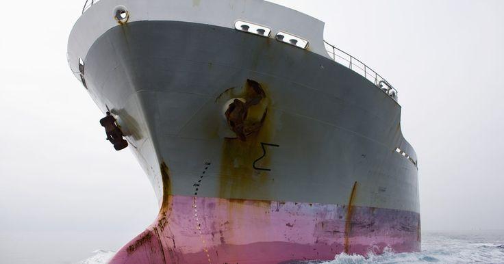 El salario promedio de un graduado de la Marina Mercante. De acuerdo con la Academia de la Marina Mercante EE.UU. (USMMA, por sus siglas en inglés), los buques de carga estadounidenses llevan 85% de las materias primas necesarias para la industria y la defensa de la nación. USMMA prepara a los estudiantes para que sirvan como oficiales de puente y de ingeniería en cargamento registrados de aguas ...