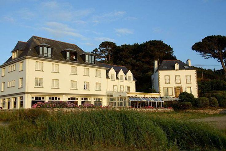 Bretagne, Finistère, Saint Anne La Palud, L'hôtel de la Plage, membre Relais & Château est un véritable havre de paix les pieds dans l'eau. Plongez dans un univers maritime pour un séjour des plus dépaysants avec Bontourism®