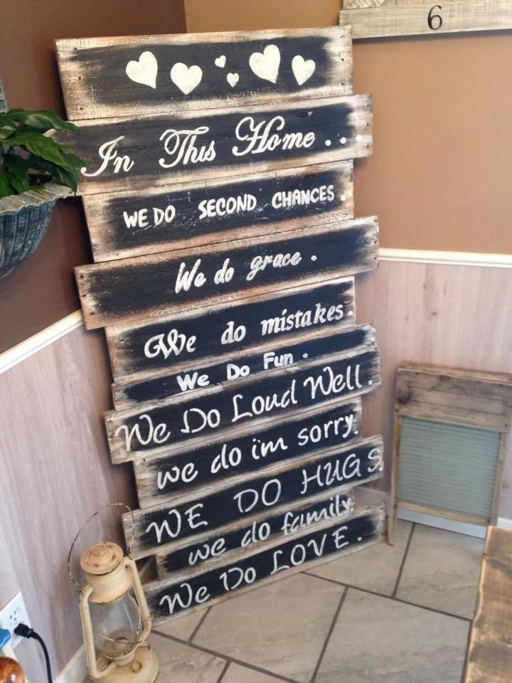 Rustic #Pallet Family Rule Chart #Art - 10 Recycled & Upcycled Pallet ideas and projects | 99 Pallets