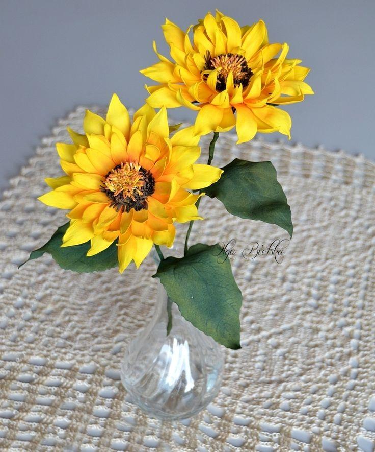 Słoneczniki z foamiranu / Foamiran sunflowers.
