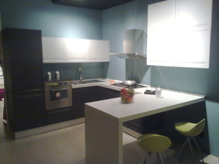 cucina in legno laccato poro aperto € 3000,00