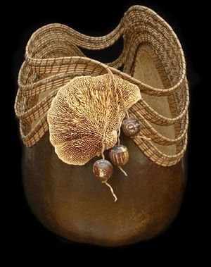 I adore art pieces by artists with a vision. They take a found object from nature and make it into an even more spectacular piece of art. *Gourd Art by David and Rosie Claus