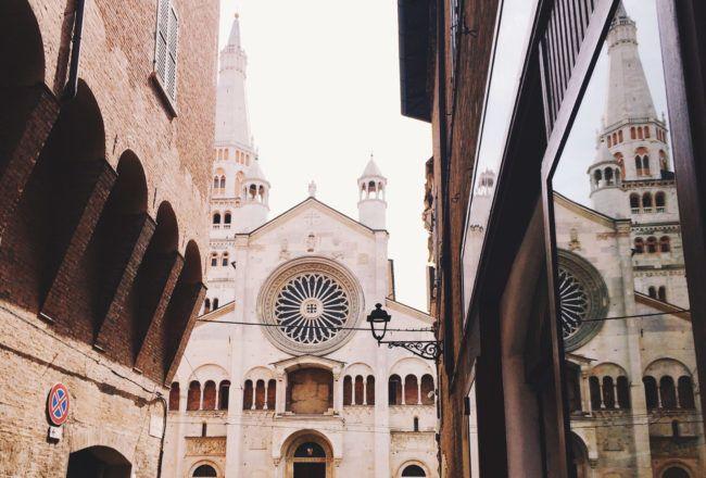 Cosa vedere a Modena in un giorno: ho raggruppato qui un po' d'idee per un perfetto tour alla scoperta del centro di Modena e di alcuni musei della città.