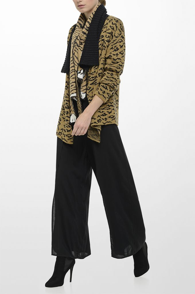Sarah Lawrence - jacquard knitted cardigan with oversized collar, sleeveless jump suit, knitted scarf.