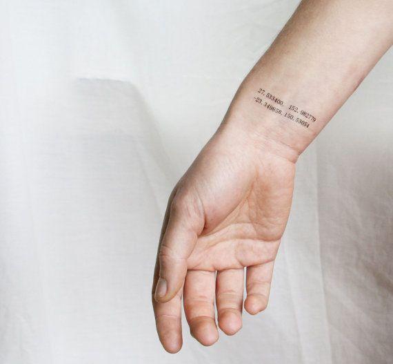 die besten 25 koordinaten tattoo ideen auf pinterest koordinaten tattoo kompass tattoo und. Black Bedroom Furniture Sets. Home Design Ideas