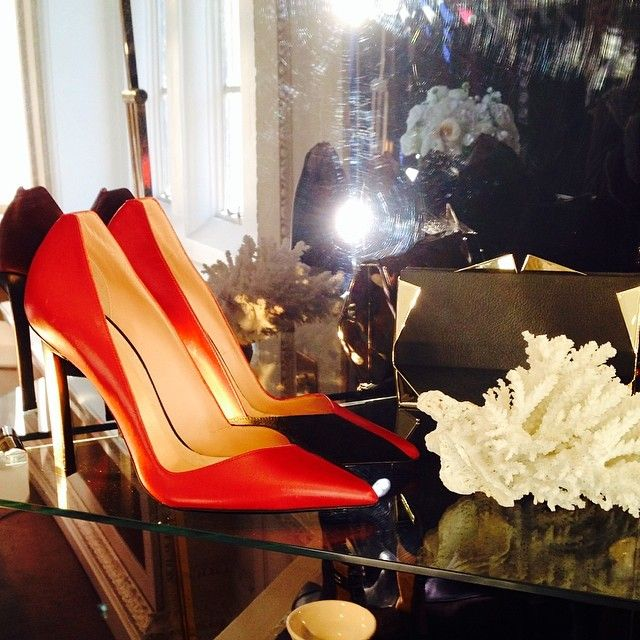 Red sexy heels are a wardrobe essential #check #roulandmouret #AW14pressday