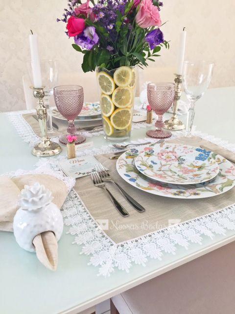 Jantar romântico da Ana e do Lucas para comemorar bodas de flores e frutas | Blog Nossas Bodas | Aniversários de casamento