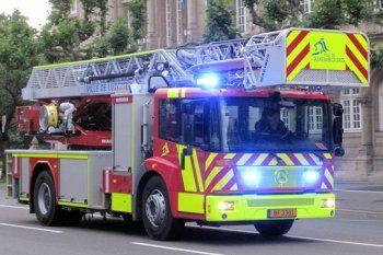 Les pompiers de la ville de Luxembourg disposent d'un parc de véhicules de qualité à l'image de ce camion Mercedes Econic. Ce dernier est réputé pour sa technologie de pointe qui respecte des normes environnementales élevées.